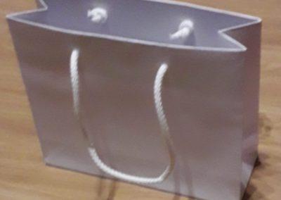 Saco papel branco CLA 200 gr c/ cordão